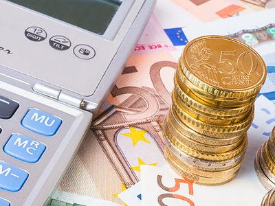 calcolatrice, banconote, business, calcolo, monete, guadagni, denaro, soldi, contante, conto, calcolatore, euro, finanziario, profitto, finanza, economia, risparmio, valuta, crescita, mercato, investimenti, budget, successo, equilibrio, costo, capitali, moneta, prezzo, imposte, scambio, mensile, bancario, banca, ricco